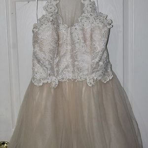 Dresses & Skirts - Puffy nude short dress with white lace
